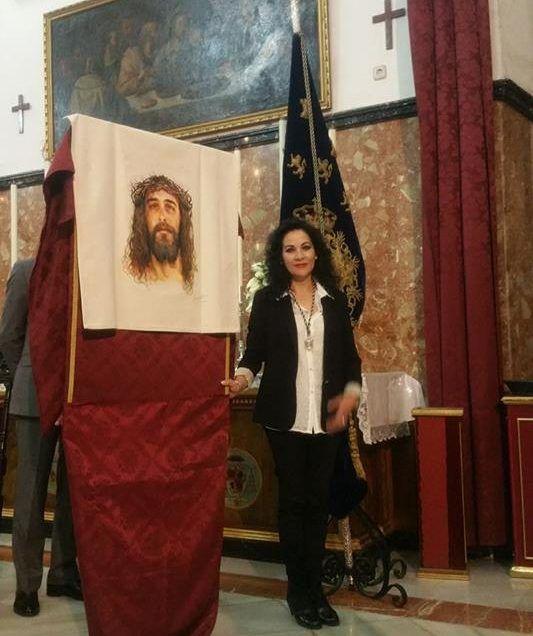 Muy feliz por pintar el paño de la Verónica de la hermandad de Monserrat